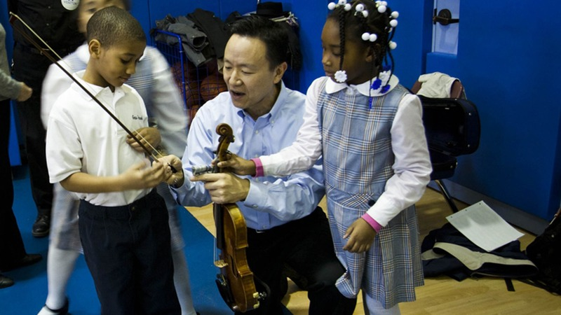 Concertmaster David Kim and Philadelphia Students